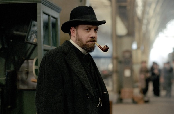 FILM: THE ILLUSIONIST (2007). PAUL GIAMATTI as Inspector Uhl in THE ILLUSIONIST released nationwide on 2nd March free pic from papicselect